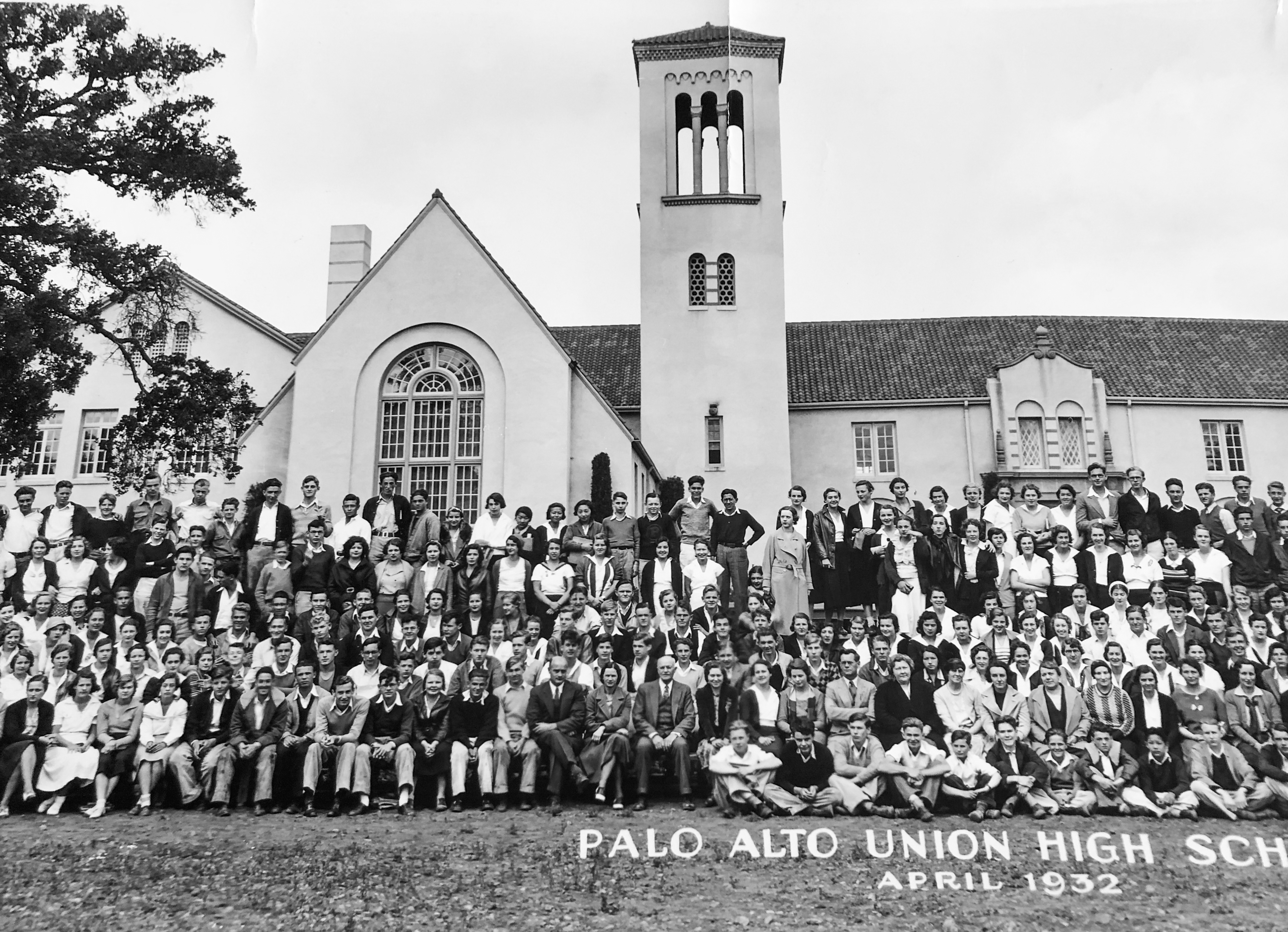 Palo Alto Union High School students pose for a photo outside Campanile Tower in April 1932. Photo courtesy of Alan Nichols.
