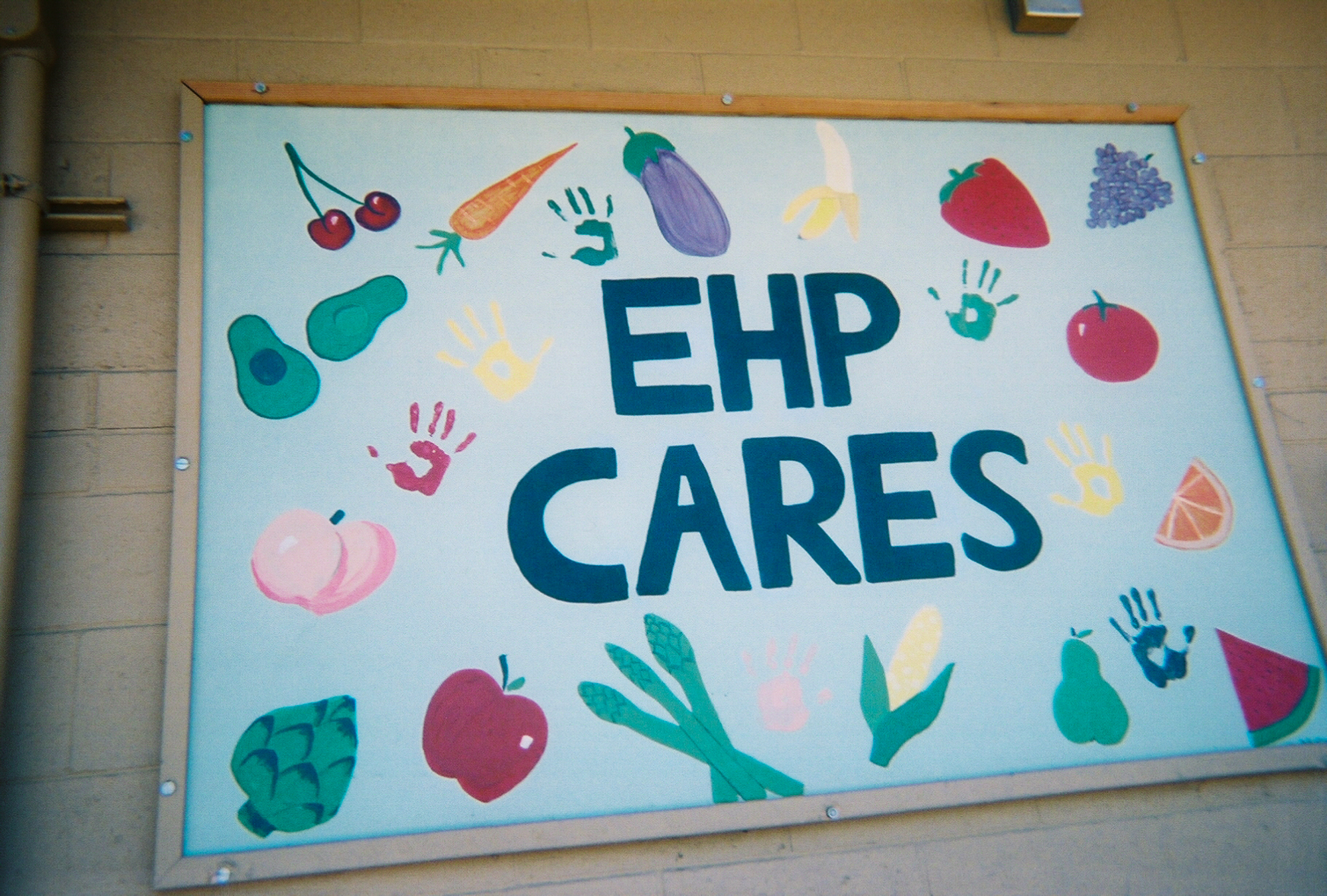 The Ecumenical Hunger Program, based in East Palo Alto, is another nonprofit that provides nutritious food support to families and individuals, including to those who do not have means of cooking or refrigerating their food. (Photo by Selijah Meacham, 11.)