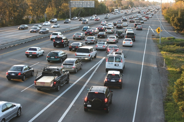 Traffic grows on U.S. Highway 101 at Embarcadero Road in Palo Alto. File photo by Veronica Weber.