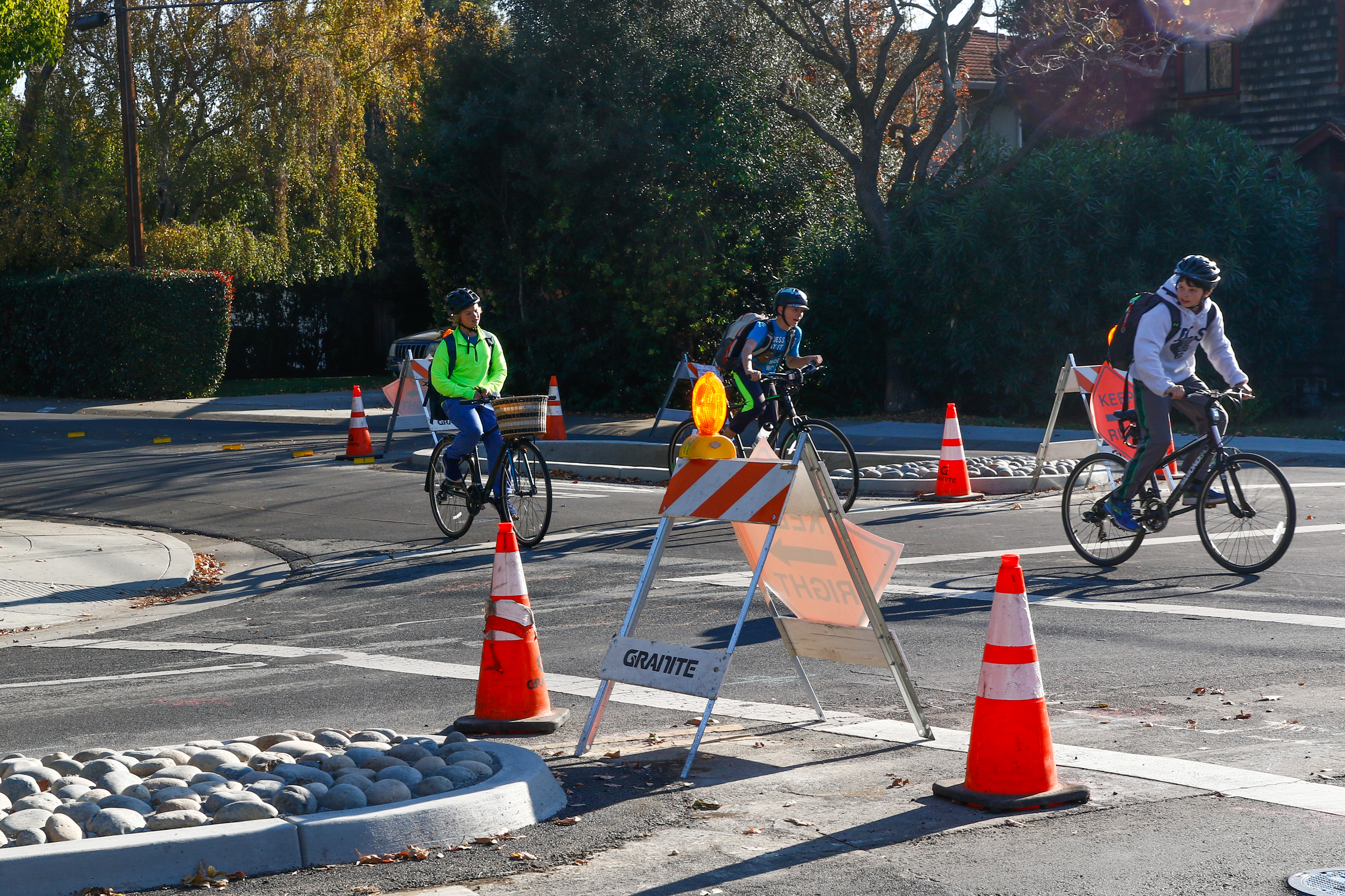 Newly constructed concrete islands have been built in the center lanes of Loma Verde Avenue and Ross Road to slow traffic. Photo by Veronica Weber.